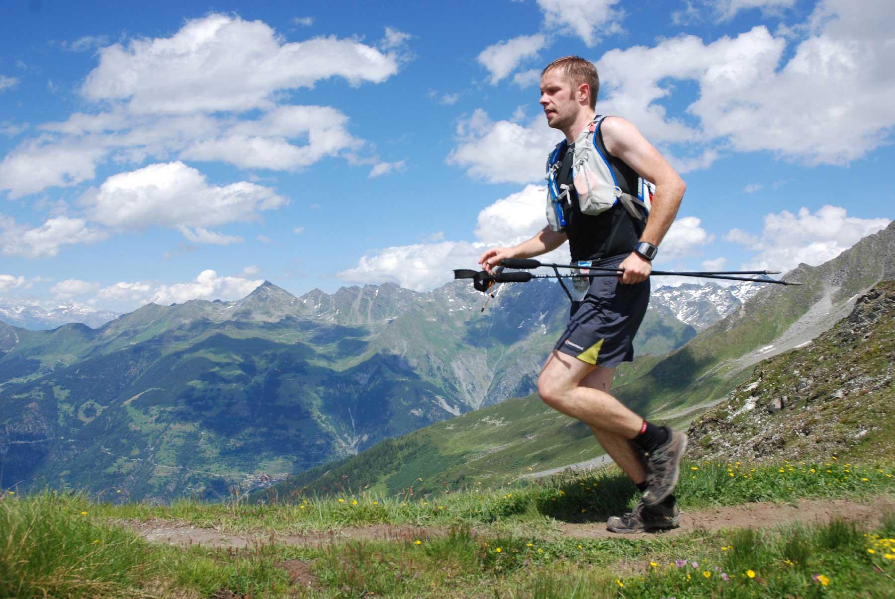 61 km trailløb med 4100 højdemeter. Fantastisk flot natur og mange små stier