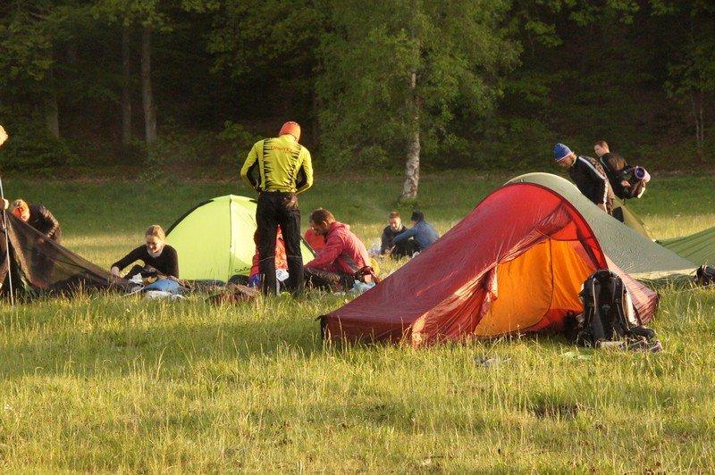 Nordisk Telemark 2 - i forgrunden. Torbjørn og jeg i baggrunden i gang med aftensmaden i Nightcampen