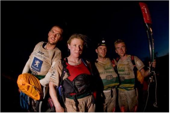 På vej ud på sidste kajaketape til VM i adventurerace 2008. Det blev en lang nat ... der vardesværre ikke meget vand floden